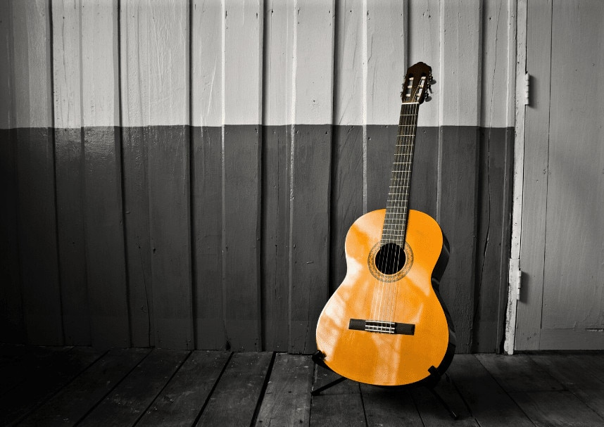 Read more about the article 5 Best Classical Guitar for Small Hands in 2021 – Buyer's Guide