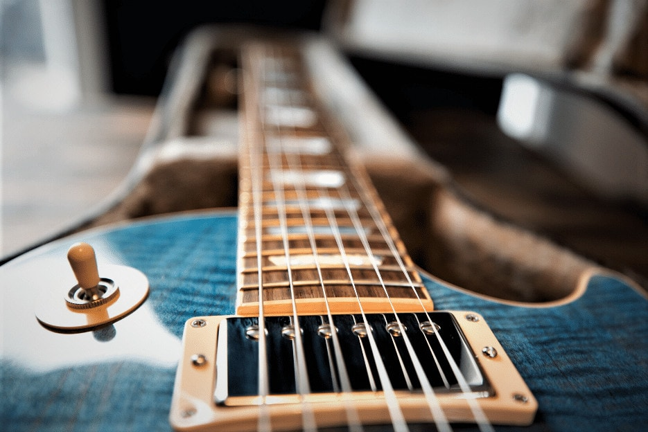 Read more about the article 5 Best Electric Guitar Strings for Rock in 2021 – Ready to Rock?!