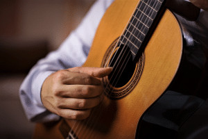 Read more about the article 5 Best Classical Guitar Supports That Really Make Playing Smooth