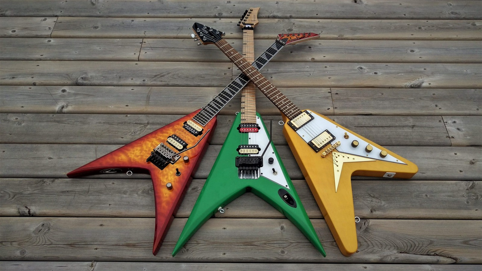 Read more about the article 5 Best Guitar Stands for Flying V in 2021 – Buyer's Guide