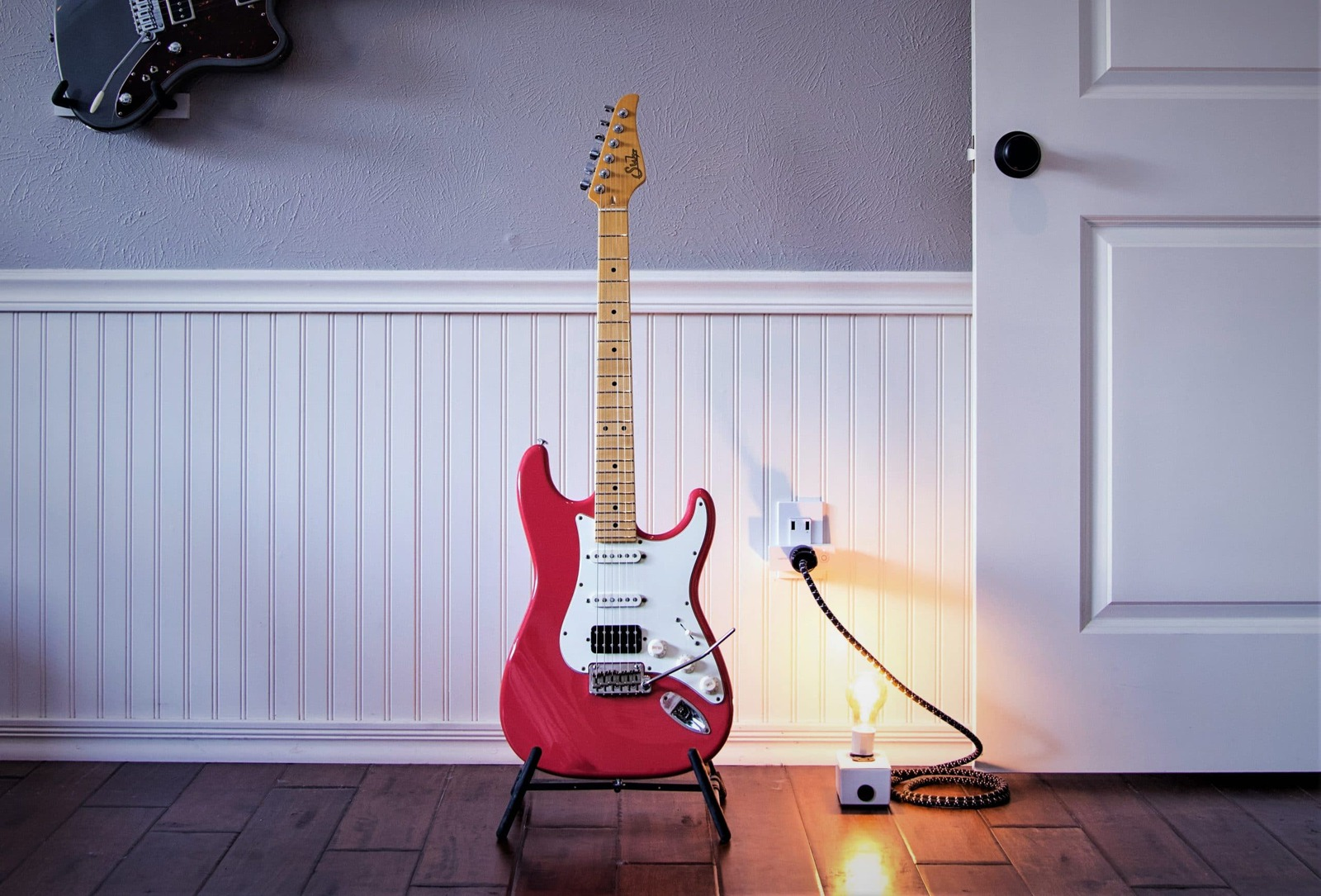 5 Best Guitar Stands for Stratocasters in 2021 – Buyer's Guide