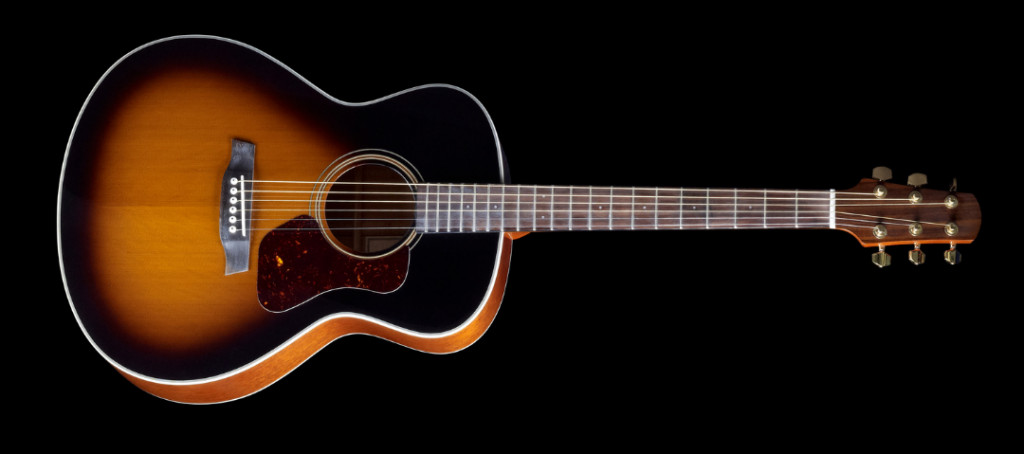 dislpays Grand Concert and Concert acoustic guitar body shape  - helps to choose the best blues acoustic body shape