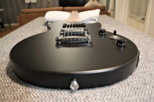 epiphone les paul special vintage edition hardware overview displayed for readers