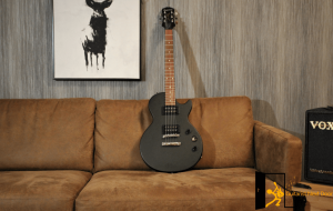 epiphone les paul special vintage edition displayed for readers
