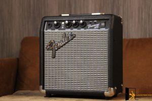 photo displays Fender Frontman 10G