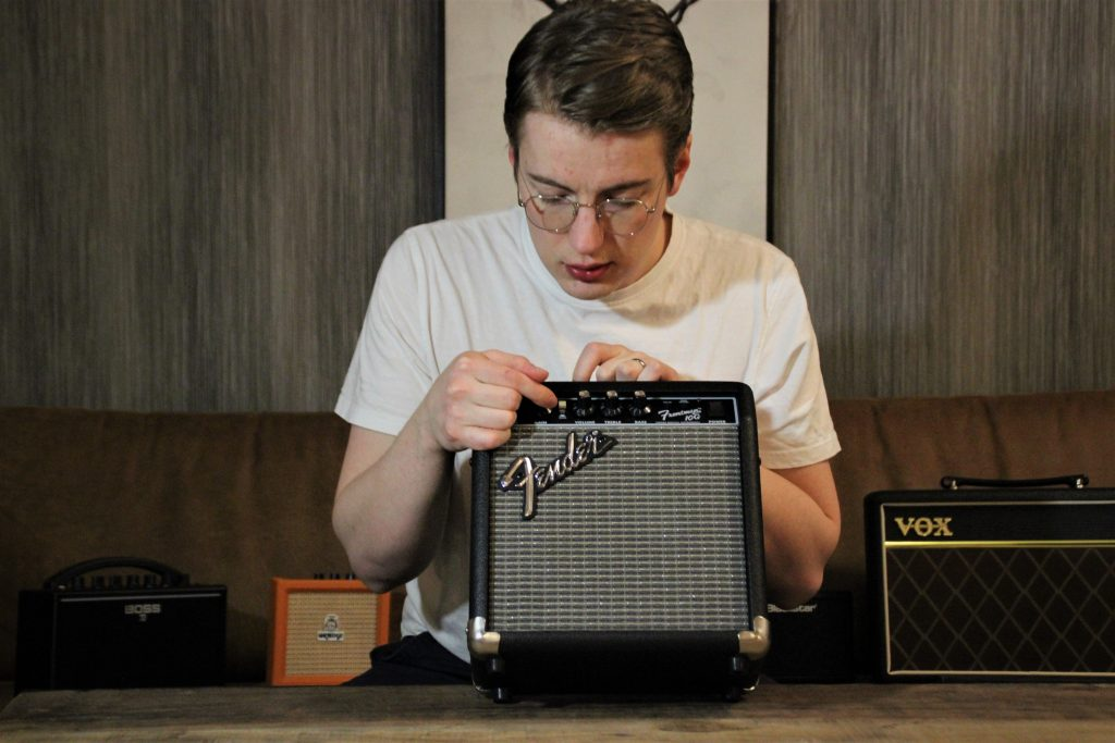 photo displays Fender Frontman 10G quality, looks and feel