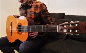 Read more about the article 5 Best Yamaha Acoustic Guitars for Beginners in 2021 – Buyer's Guide