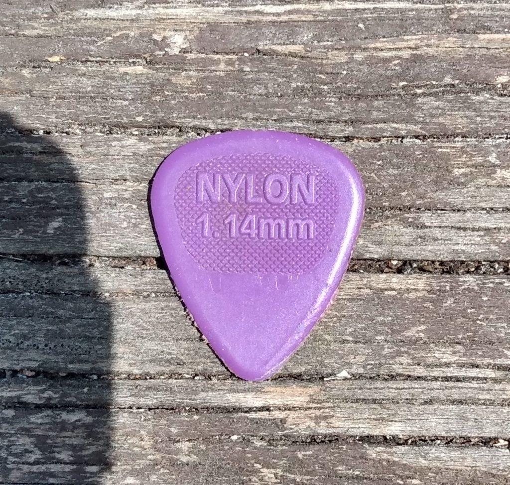 photo reveals Dunlop Nylon 1.14mm - best pick for warm tone