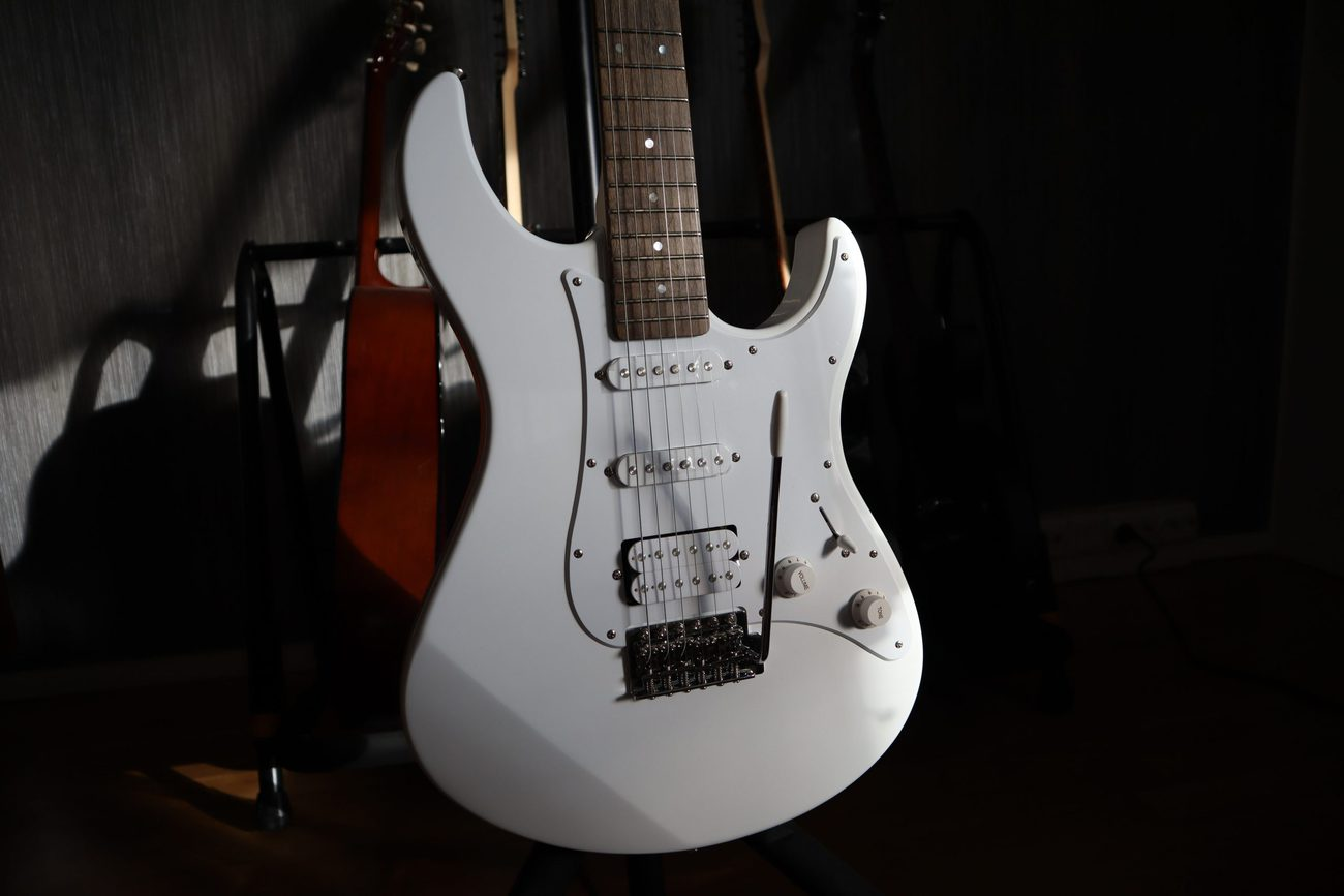 Read more about the article Yamaha Pacifica 012 Review – The Best Guitar Under $200?